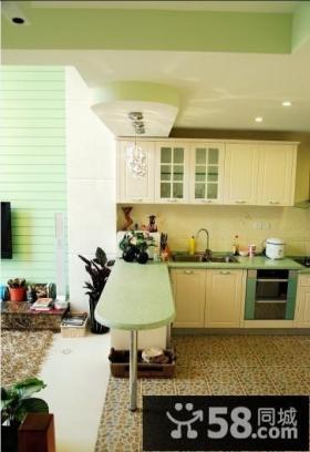 LOFT客厅厨房隔断设计