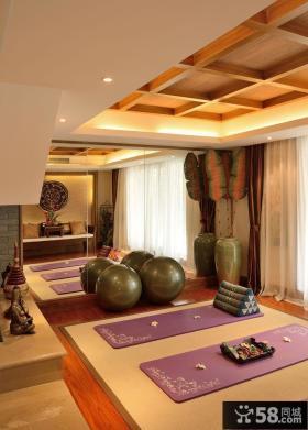东南亚风格设计别墅室内健身房图片