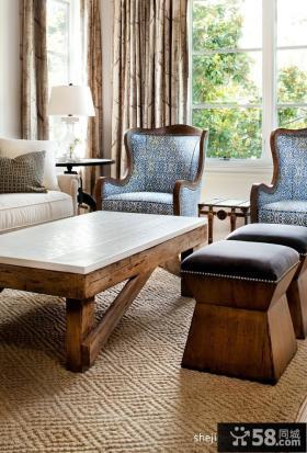 别墅客厅地毯与茶几的搭配设计