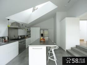 极简的白色复式楼厨房装修效果图大全2012图片