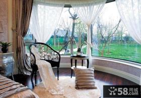 卧室阳台飘窗装修效果图 封闭式阳台装修效果图