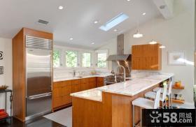 简单家庭用阁楼厨房装修效果图