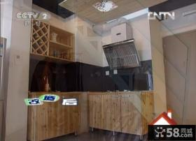 交换空间小复式原木厨房橱柜装修效果图