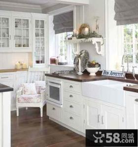 简欧式厨房白色橱柜装修设计