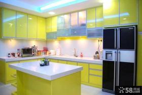 黄色厨房橱柜设计效果图