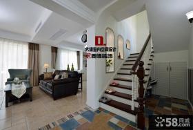 优质美式小别墅客厅楼梯装修图