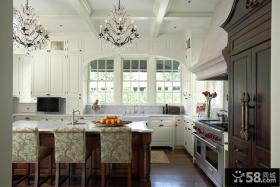 L型开放式厨房装饰