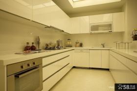 U型厨房橱柜装修效果图