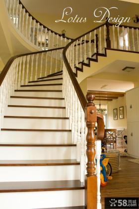 美式别墅实木楼梯装修效果图