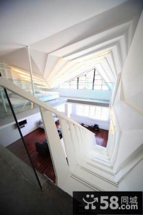 简约风格楼梯玄关装修效果图