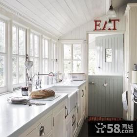 58平小户型白色恋歌厨房橱柜装修效果图