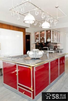 红色厨房橱柜装修效果图欣赏