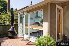 小别墅阳台折叠门图片