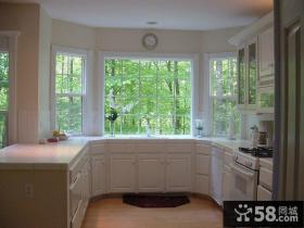 别墅阳台改厨房装修效果图片