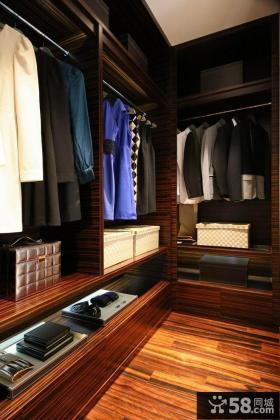 现代家装实木衣帽间设计