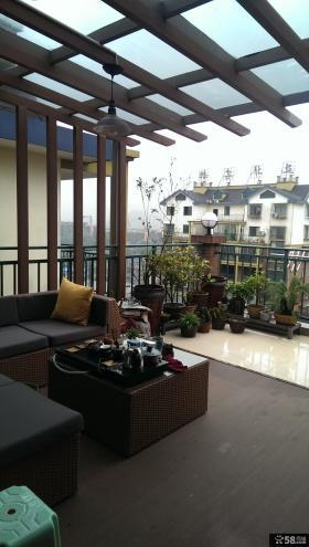 别墅二楼半露天阳台设计