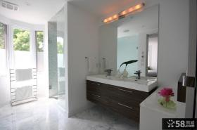 现代简约风格复式楼卫生间装修效果图