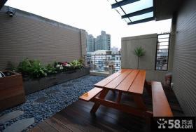 现代家庭小别墅室外阳台装修图片