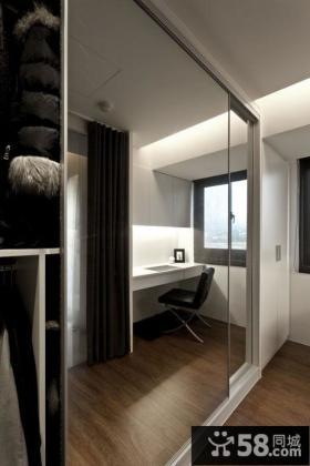 现代简约风格卧室衣柜门镜面效果图
