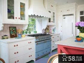 简欧风格厨房装修设计效果图片
