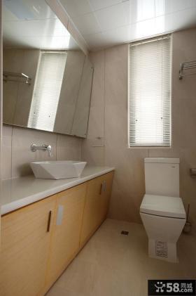 现代简约复式卫生间装修效果图