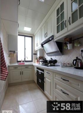 现代简约U型厨房整体橱柜装修效果图