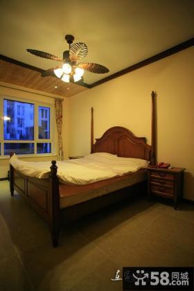 美式风格复式楼客厅沙发摆放效果图