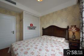 美式风格卧室壁纸装修布置图片