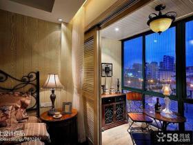 卧室与阳台移门隔断设计效果图