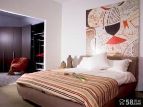 现代一居室大户型卧室床头装饰画效果图