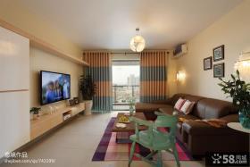 现代客厅沙发电视背景墙效果图