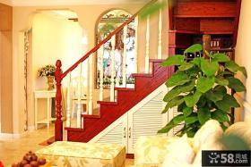 田园风格复式楼实木楼梯装修效果图