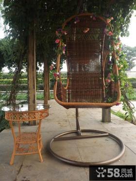 室外阳台秋千椅图片