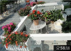 小型露天阳台家庭园艺装修效果图