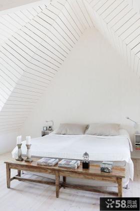 简约风格带阁楼卧房设计效果图