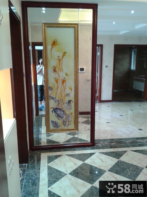 玄关玻璃隔断图片