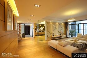 现代简约客厅隔断装修效果图欣赏