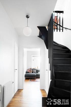 三房一厅加楼梯设计图