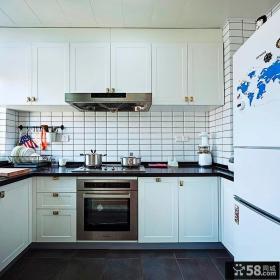 现代工业风厨房设计装修效果图