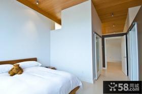 部分木质的家居加上白白的美式风格装修卧室图片