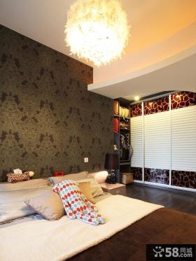 卧室床头墙纸效果图片
