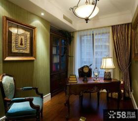 华丽的贵族气息的古典欧式风格卧室吊顶装修效果图