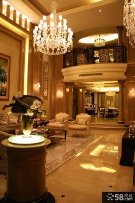 欧式别墅挑高客厅水晶吊灯设计