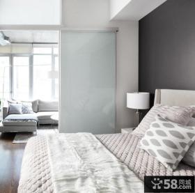 客厅与卧室隔断墙