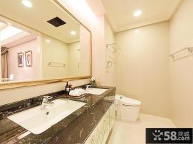 现代整洁明亮家庭卫生间装潢