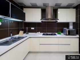 现代厨房L型烤漆橱柜效果图