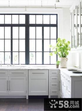 简约风格厨房橱柜设计效果图