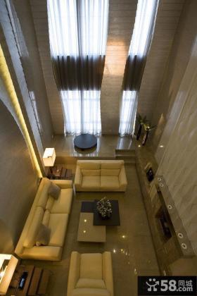 现代简约别墅挑高客厅装修效果图