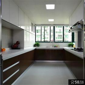 混搭家居U型橱柜厨房软装修示例