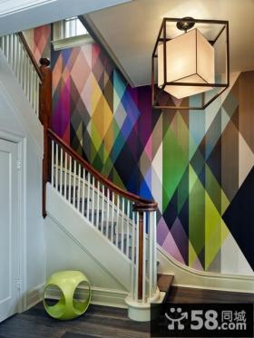 别墅楼梯间个性灯饰图片